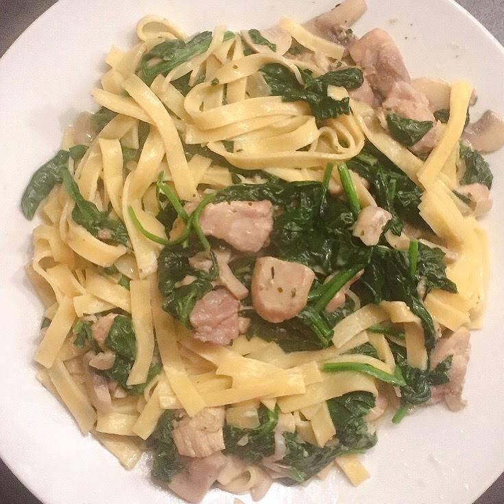 Pasta met kip, boursin en spinazie